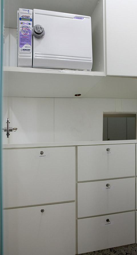 CME(Esterilização): Autoclave e armários