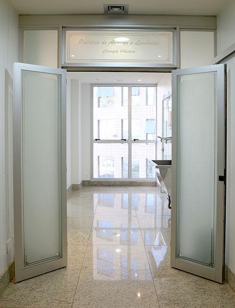 Centro Cirúrgico: Com ar condicionado central de pressão positiva